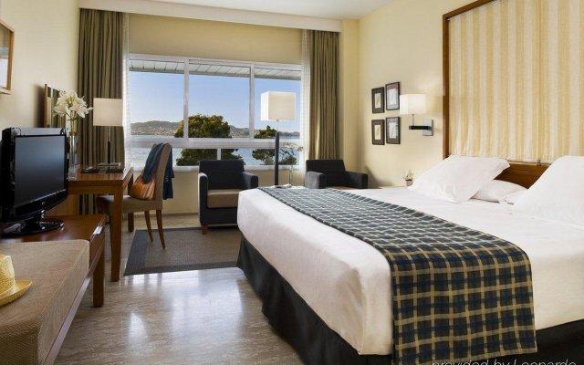 Hesperia Isla De La Toja Hotel Эль-Грове комната для гостей