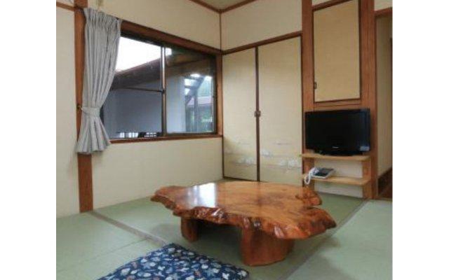 Отель Minshuku Yakusugi-sou Якусима