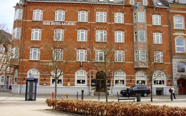 Отель Park Hotel Aalborg Дания, Алборг - отзывы, цены и фото номеров - забронировать отель Park Hotel Aalborg онлайн вид на фасад