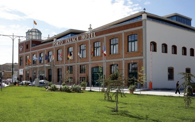 Отель Porto Palace Салоники вид на фасад