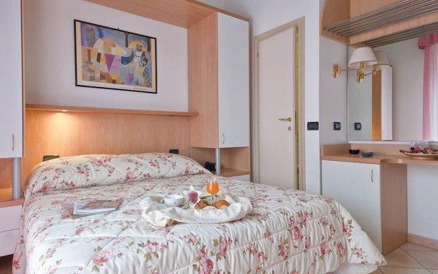 Hotel Angelini комната для гостей