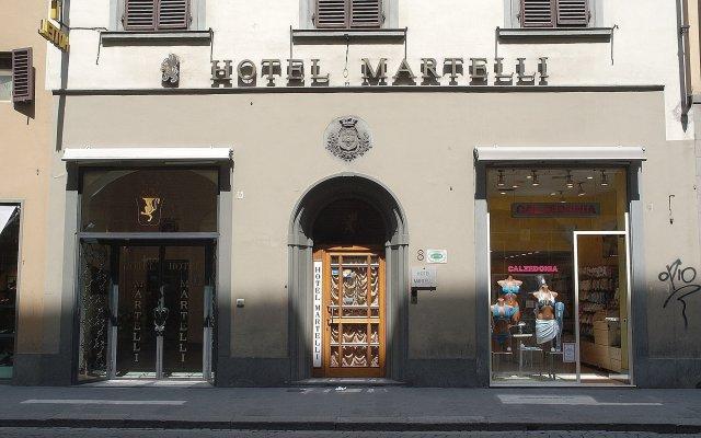Hotel Martelli вид на фасад