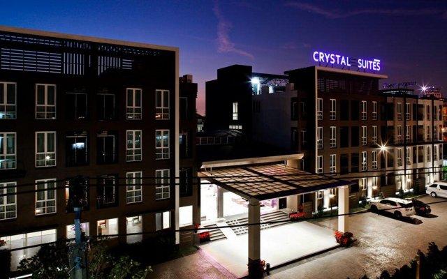 Отель Crystal Suites Suvarnabhumi Airport Бангкок вид на фасад