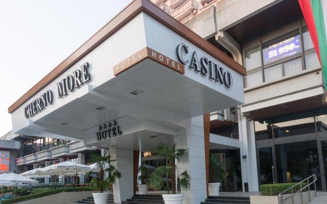 Отель Interhotel Cherno More вид на фасад