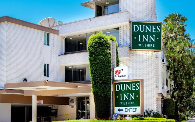 Отель Dunes Inn - Wilshire вид на фасад