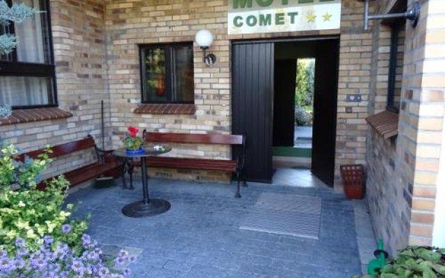 Отель Motel Comet Польша, Кобыльница - отзывы, цены и фото номеров - забронировать отель Motel Comet онлайн вид на фасад