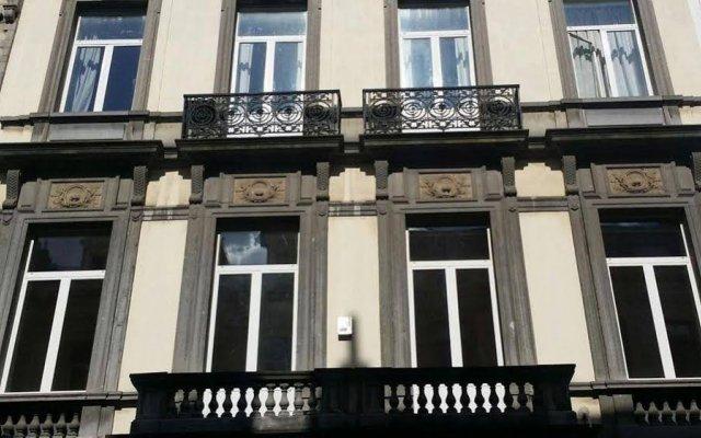 Апартаменты Brussels City Centre Apartments вид на фасад
