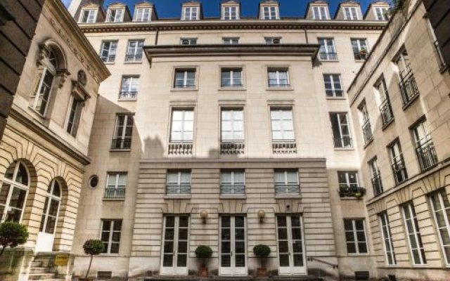 Отель Assia & Nathalie Luxury B&B Marais Париж вид на фасад