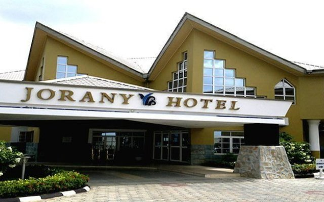 Отель Jorany Hotel Нигерия, Калабар - отзывы, цены и фото номеров - забронировать отель Jorany Hotel онлайн вид на фасад
