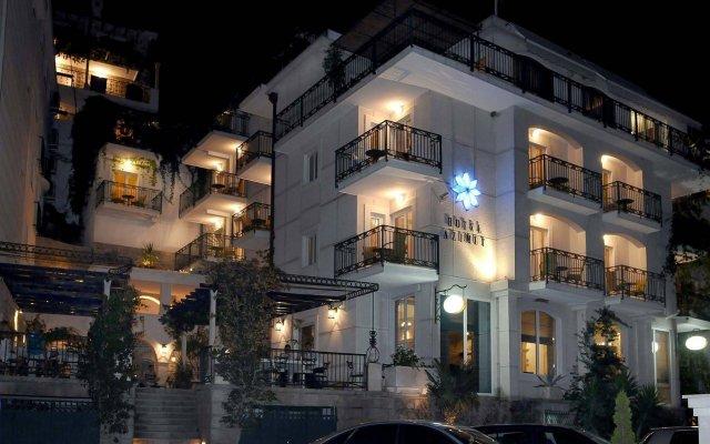 Hotel Azimut вид на фасад