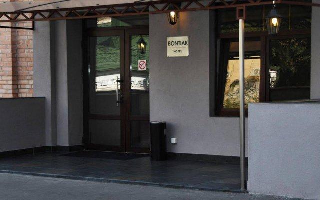 Гостиница Бонтиак вид на фасад