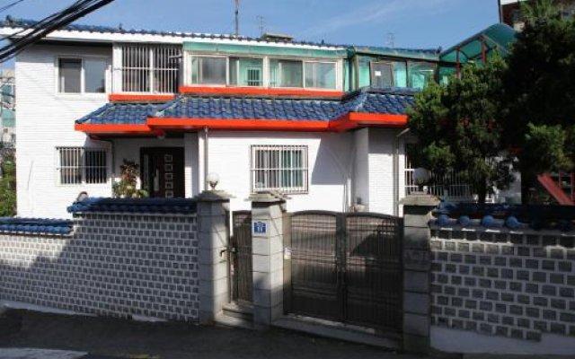 Отель Good Morning Korea Guest House вид на фасад