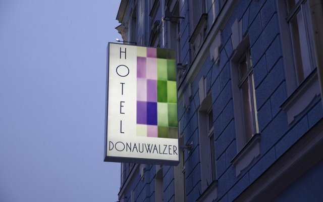 Отель Boutique Donauwalzer Вена вид на фасад