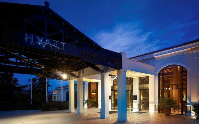 Отель Hyatt Regency Thessaloniki вид на фасад