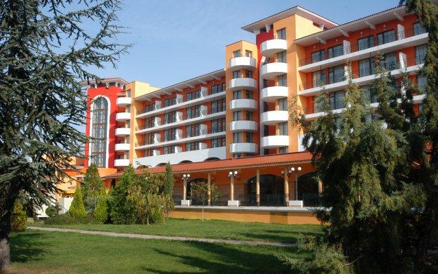 Hrizantema- All Inclusive Hotel вид на фасад