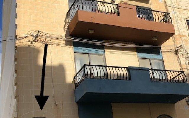 Отель Marsascala Sea View Luxury Apartment & Penthouse Мальта, Марсаскала - отзывы, цены и фото номеров - забронировать отель Marsascala Sea View Luxury Apartment & Penthouse онлайн вид на фасад