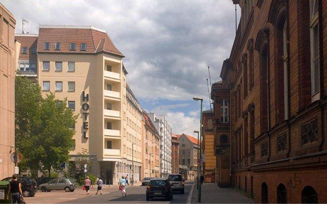 Отель DIETRICH-BONHOEFFER-HAUS Берлин вид на фасад