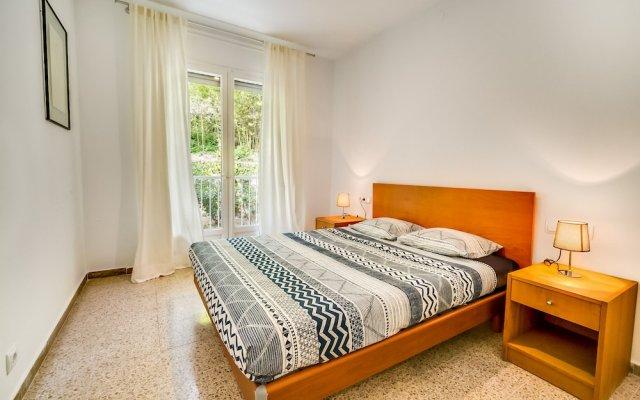Отель Apartamento Vivalidays Es Blau Испания, Бланес - отзывы, цены и фото номеров - забронировать отель Apartamento Vivalidays Es Blau онлайн комната для гостей