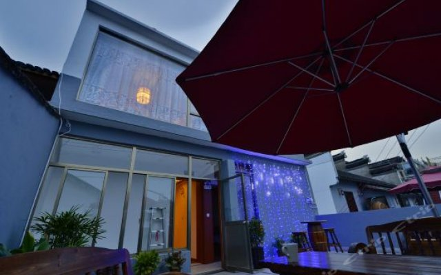 Отель Zhenfeng Ji Yi Chinese feelings theme Inn вид на фасад