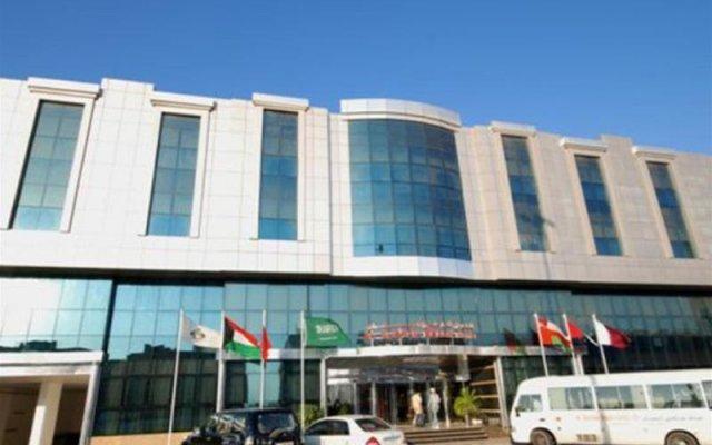 Отель Al Bustan Hotel Flats ОАЭ, Шарджа - отзывы, цены и фото номеров - забронировать отель Al Bustan Hotel Flats онлайн вид на фасад