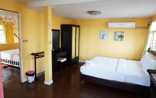 Отель Baan Romruen Homestay Таиланд, Ко-Лан - отзывы, цены и фото номеров - забронировать отель Baan Romruen Homestay онлайн комната для гостей