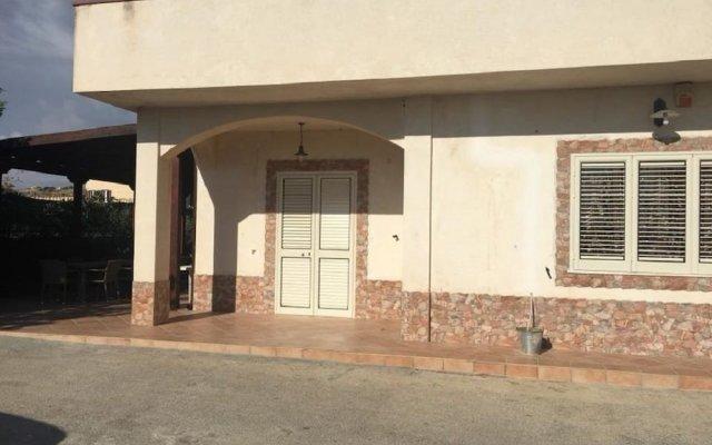 Отель B&B Villa Eleonora Реальмонте вид на фасад
