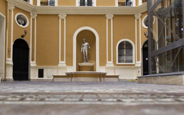 Отель Inn Rome Rooms & Suites вид на фасад
