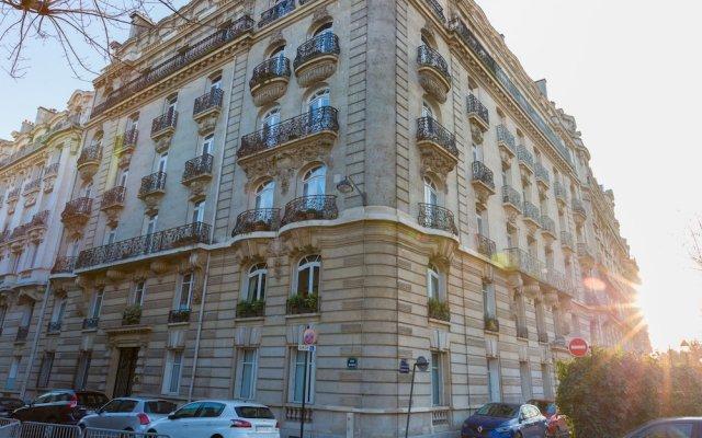 Отель Spacious apartement 2 bedrooms вид на фасад