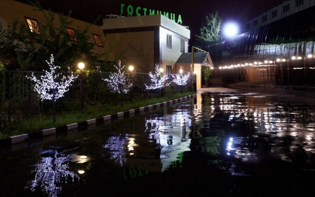 Гостиница Крошка Енот на Пятницком шоссе вид на фасад