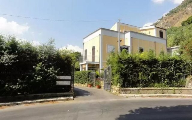 Villa Montereale B&B