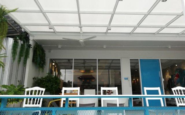 Отель Bed N Bev Pattaya - Hostel Таиланд, Паттайя - отзывы, цены и фото номеров - забронировать отель Bed N Bev Pattaya - Hostel онлайн вид на фасад