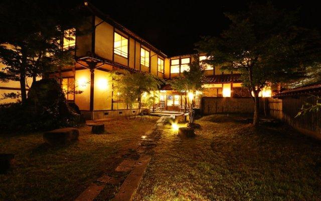 Отель Tabinoyado Asonoyu Минамиогуни вид на фасад
