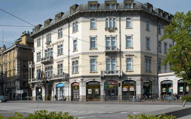 Hotel GrandItalia вид на фасад