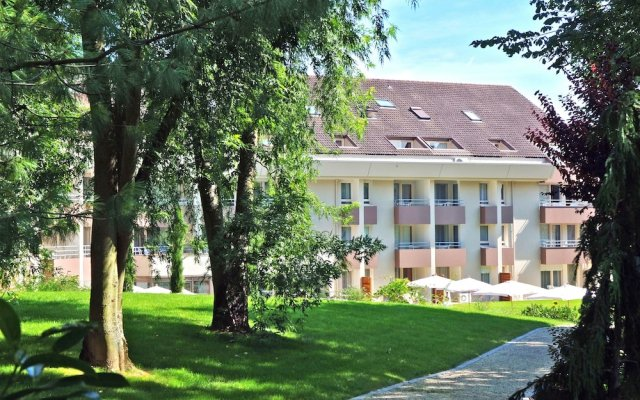 Отель Residence La Reserve Франция, Ферней-Вольтер - отзывы, цены и фото номеров - забронировать отель Residence La Reserve онлайн вид на фасад