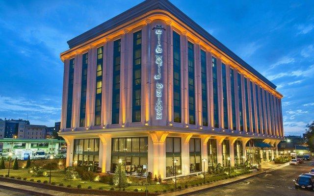 Elite World Business Hotel Турция, Стамбул - 8 отзывов об отеле, цены и фото номеров - забронировать отель Elite World Business Hotel онлайн Турция, Стамбул: фото, отзывы и цены бронирования номеров вид на фасад
