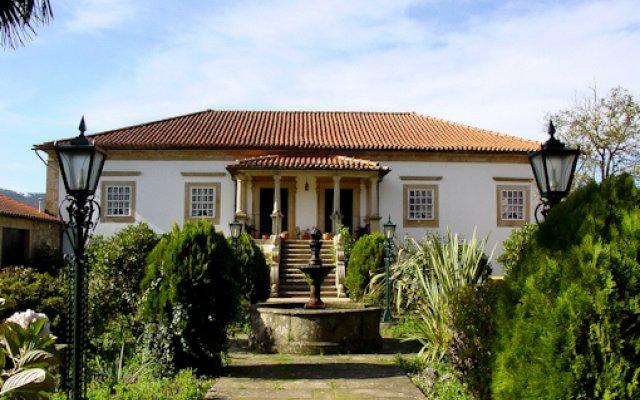 Отель Quinta De Santa Comba вид на фасад