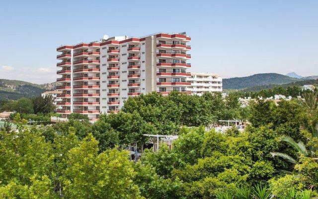 Отель Apartamentos Sol y Vera вид на фасад