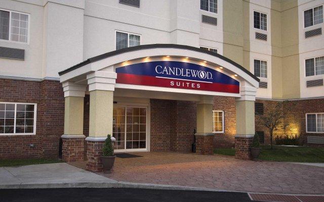 Отель Candlewood Suites Lafayette вид на фасад