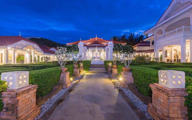 Отель Wora Bura Hua Hin Resort and Spa вид на фасад