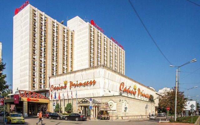 Отель Ramada Sofia City Center вид на фасад