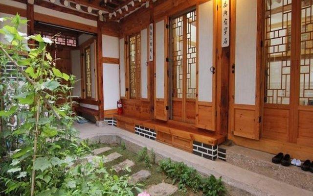 Отель Irang Hanok Guesthouse Южная Корея, Сеул - отзывы, цены и фото номеров - забронировать отель Irang Hanok Guesthouse онлайн вид на фасад