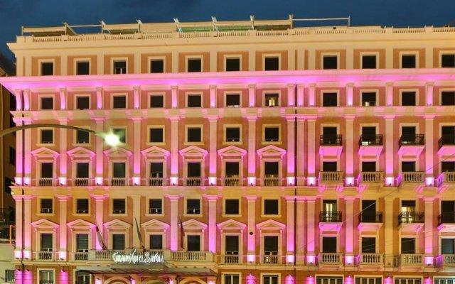 Отель Grand Hotel Savoia Италия, Генуя - 3 отзыва об отеле, цены и фото номеров - забронировать отель Grand Hotel Savoia онлайн вид на фасад
