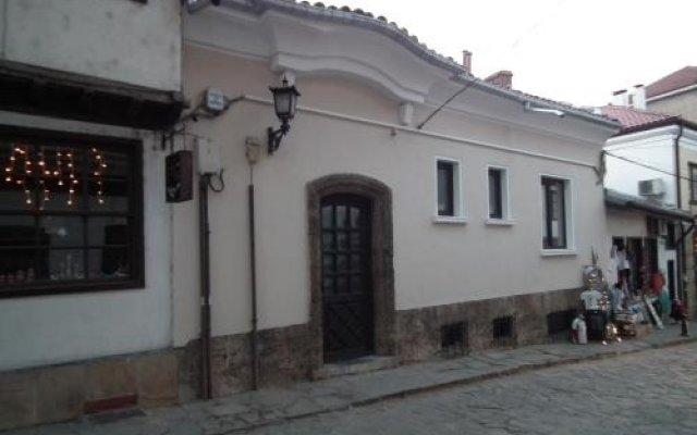 Отель Lion Guest House Велико Тырново вид на фасад