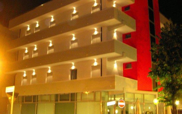 Отель Etoile Римини вид на фасад