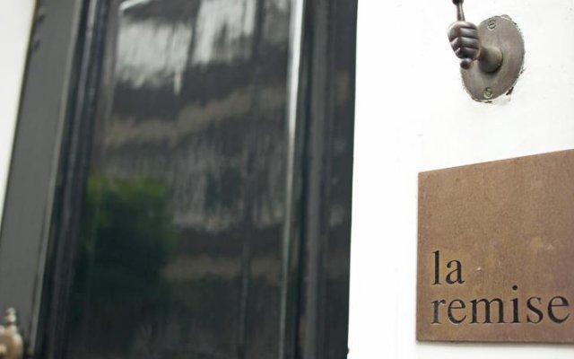 Отель La Remise Нидерланды, Амстердам - отзывы, цены и фото номеров - забронировать отель La Remise онлайн вид на фасад