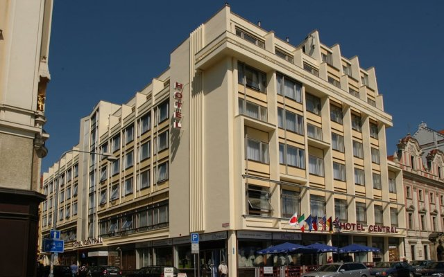 Central Hotel Pilsen Пльзень вид на фасад
