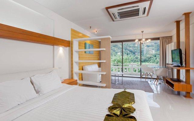 Отель The Green Golf Residence Phuket комната для гостей