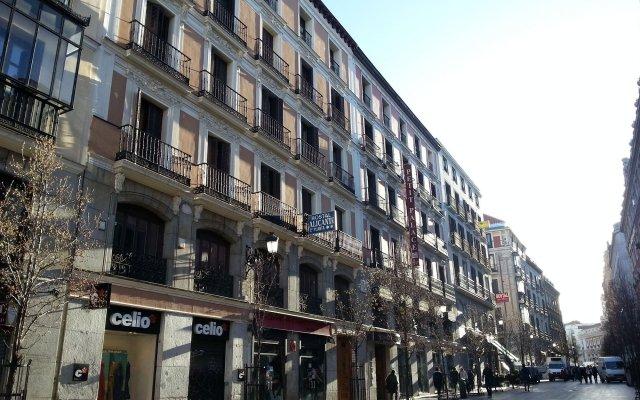 Отель Hostal Alicante вид на фасад