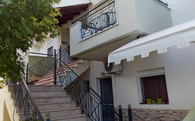 Апартаменты Nikos Apartments вид на фасад