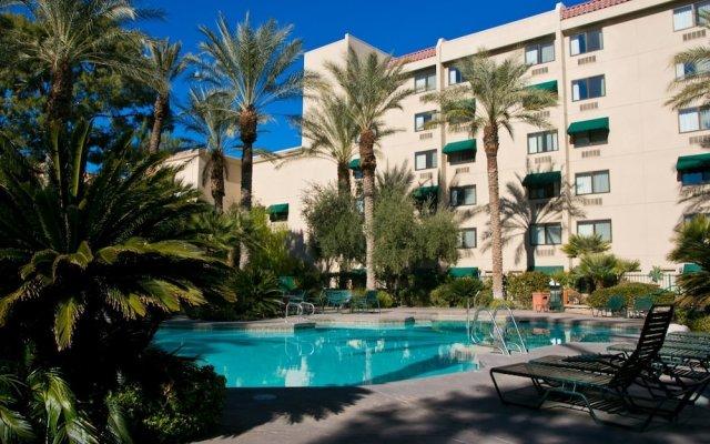 Отель Silver Sevens Hotel & Casino США, Лас-Вегас - отзывы, цены и фото номеров - забронировать отель Silver Sevens Hotel & Casino онлайн вид на фасад